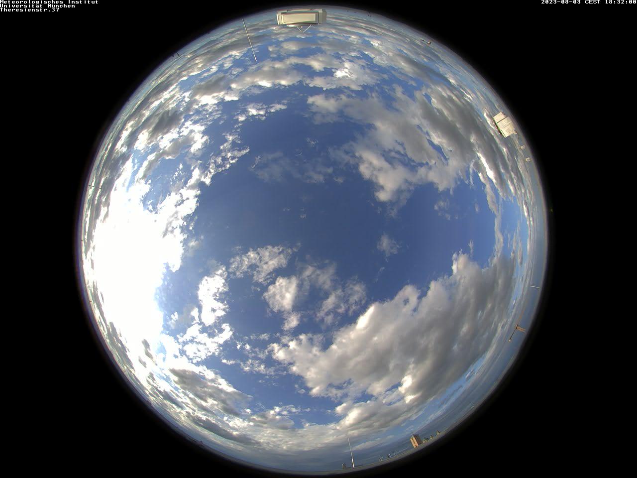 Wolkenkamera des Meteorologischen Instituts der LMU